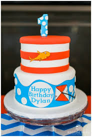 dr seuss birthday cakes dr seuss theme cake by wenny cakes birthday party