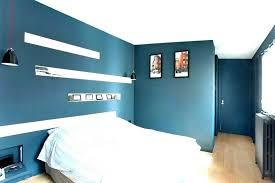 repeindre une chambre en 2 couleurs comment peindre une chambre en deux couleurs conseil peinture