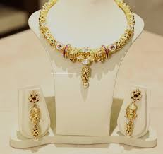 gold antique necklace set images Gold and diamond jewellery designs antique gold necklace set png