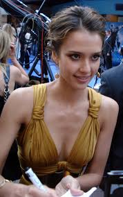 pictures of photos jessica alba with short haircuts u003d