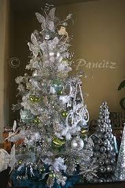 White Sparkly Christmas Decorations by Kaseys Korner Christmas Decorating