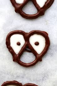 halloween chocolate covered pretzels with spooky eyes lookin