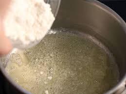 cuisine faire un roux roux blanc la recette illustrée meilleurduchef com