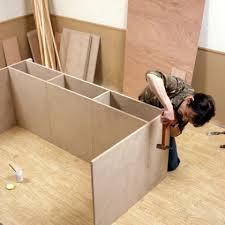 fabrication d un bureau en bois bureau en palette modles diy et tutoriel pour le fabriquer soi mme