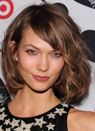 how to style chin length layered hair karlie kloss messy chin length bob haircut for thick hair chin