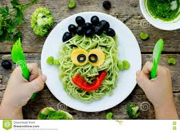 monter cuisine food idea for green from spaghetti olives and