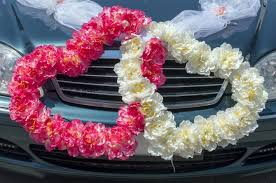 How To Decorate A Wedding Car With Flowers Wedding Decor The Getaway Car Home Wizards