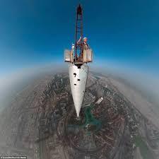 photographer gerald donovan snaps selfie on top of dubai u0027s burj