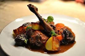 lapin cuisine marmiton lapin aux pruneaux et au vin la recette facile faite maison