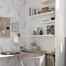 étagère à poser sur bureau poser une étagère murale nos conseils