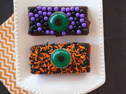 make these treats with leftover halloween candy fn dish behind