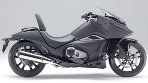 Motorcycle Footboards Honda U0027s 750cc Nm4 Vultus A New Species Of Motorcycle