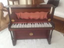 Meilleur Marque De Piano French Dulcimer Piano With Candlesticks 22 Key Nb Circa 1880