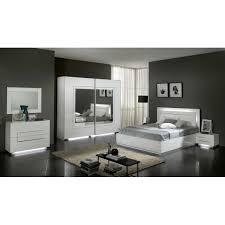 meuble chambre blanc laqué chambre à coucher city en blanc laqué déco meubles