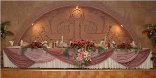 Wedding Head Table Decorations by Decorations For Bride And Groom Tables This Picture They Put The