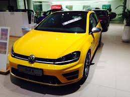 new broom yellow golf r golfmk7 vw gti mkvii forum vw golf r