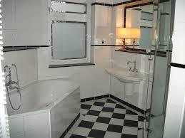 badezimmer bordre ausstattung 2 klassisches bad in schwarz weiß boden schachbrett wände weiß mit