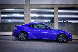 car subaru brz living with the subaru brz se low profile performance