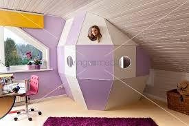 jugendzimmer dachschräge wandgestaltung schräge wände kinderzimmer fesselnde auf moderne