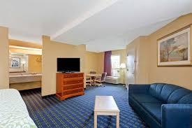Comfort Inn Mcree St Memphis Tn Days Inn Memphis I40 And Sycamore View Memphis Hotels Tn 38134