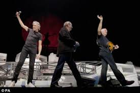 Comfortably Numb Roger Waters David Gilmour Gilmour And Waters Reunite For A Comfortably Numb Performance