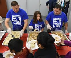 elgin hosts feast for 1 000