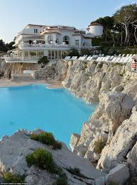 Hotel Du Cap Eden Roc Inside Lara Bingle U0027s Luxury Retreat In The South Of France Daily