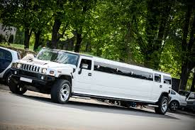 white hummer limousine hummer h2 white 18 seats limuzinų nuoma