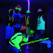 black light party clothes what to wear to a glow party