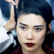 japanese hair inside the mind blowing haircare routine of a modern day geisha
