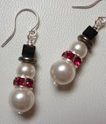 cute snowman earrings in pearl and crystal weirdly cute