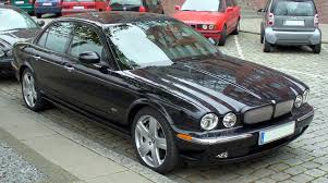 all black jaguar file jaguar xjr jpg wikimedia commons