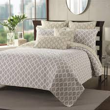 King Size Quilted Bedspreads Bedroom Quilted Bedspreads King Size Bed With Lighting Lamp And