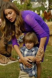 blue bloods thanksgiving modern family season 8 episode 7