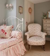 Decorate Bedroom With Iron Bed Bedrooms Cottage Bedrooms White - Cottage bedroom ideas