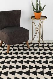 Black And White Chevron Rug 165 Best Tapis Images On Pinterest Carpets Eileen Gray And