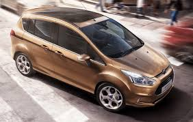 auto con porte scorrevoli ford b max primo contatto panoramauto