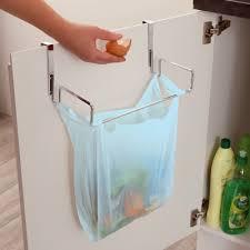poubelle cuisine de porte le support de porte pour sac poubelle décoration cuisine