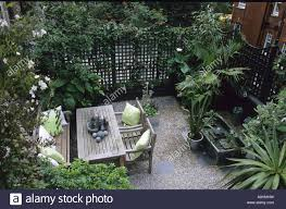 hornton st london roof garden trellis fencing wooden table and