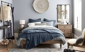 How To Set A Bed How To Set Up Your Guest Bedroom For Visitors Pottery Barn