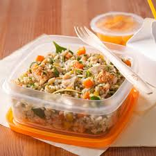 midi en recette de cuisine salade de riz au poulet et aux fines herbes recettes cuisine et