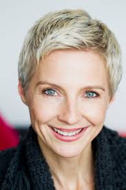 25 most stylish short hairstyles for older women hottest haircuts