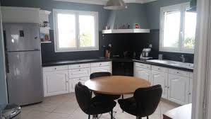 cuisine repeinte en noir installation d un ilot dans ma cuisine
