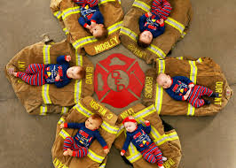 firefighters u0027 babies pose on christmas card durant fire