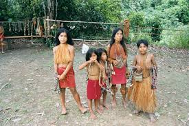 amazon jungle local amazon tribe family on sinchucuy lodge
