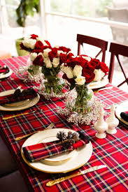 Holiday Table Decorations by Best 25 Holiday Tablescape Ideas Only On Pinterest Xmas Table