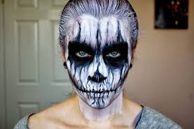 half face halloween makeup ideas 20 of the creepiest halloween makeup ideas bored panda