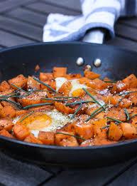 cuisiner patate douce poele poêlée de patates douces aux œufs