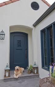 the exterior is merlex stucco in benjamin moore navajo white