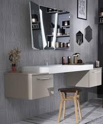 coiffeuse pour chambre pourquoi pas une vraie coiffeuse dans la salle de bains
